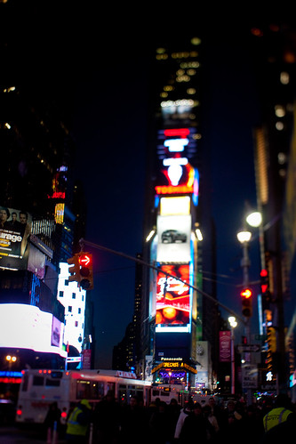 NYC:Midtown: Times Square tower of light