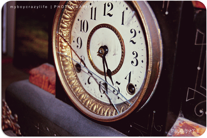 01.11.2010 | broken, dusty time