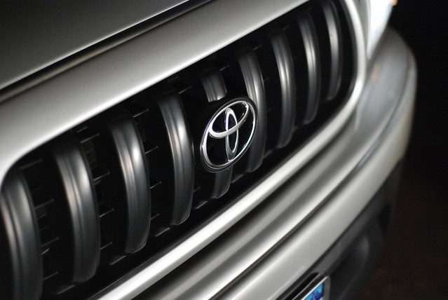 silver front bumper toyota tacoma grille sr5