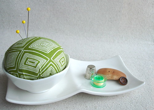 simplicity pincushion set in green