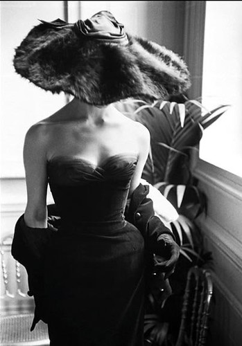 model in dior fur hat