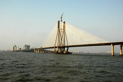 Bandra Worli Sealink (E R) Tags: bridge sea india construction crane cable constructionworkers maharashtra mumbai economy development cablebridge cityatnight developingcountry hcc bandra worli sealink bridgeconstruction bandraworlisealink mumbaiatnight heavyconstruction indianlabours mumbaibridge