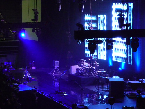 muse equipment on stage!!