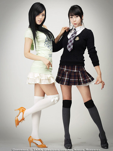 Японки в мини юбках фото