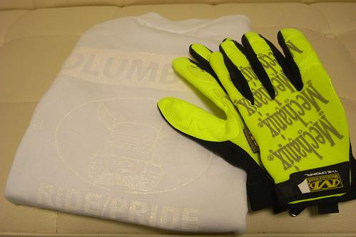 tee and glove