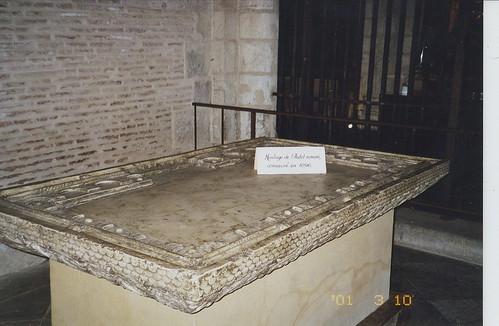 2001-03-10 Toulouse France (dedans la Basilique Saint-Sernin (original Roman alter circa 1096))