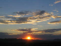 (giuli86) Tags: usa tramonto cielo monumentvalley sole rosso