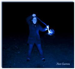 Jugando a cazar espectros... (MeigaNe) Tags: luz azul nikon espectro fantasma oscuridad largaexposicion d80 cazafantasma