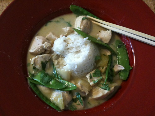Green curry with chicken and pea pod