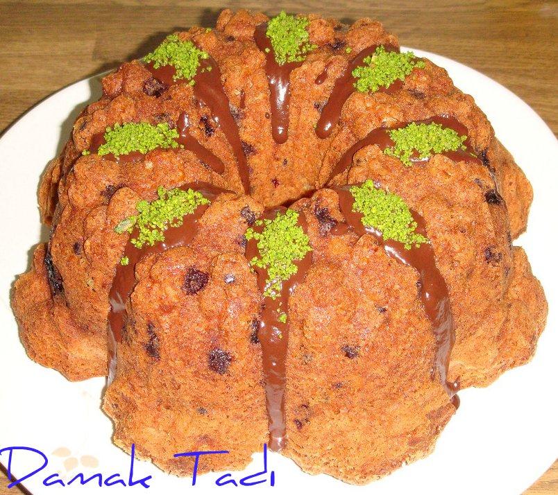 Vişneli Damla Çikolatalı Kek