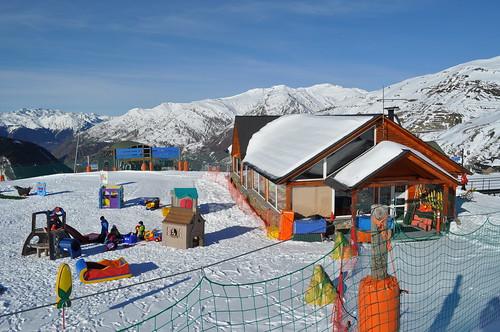 Parque infantil en 1.800