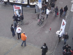 Utrecht: Campaigning for Local Elections (harry_nl) Tags: netherlands utrecht sp elections 2010 verkiezingen d66 pvda vvd gemeenteraad towncouncil trotsopnl