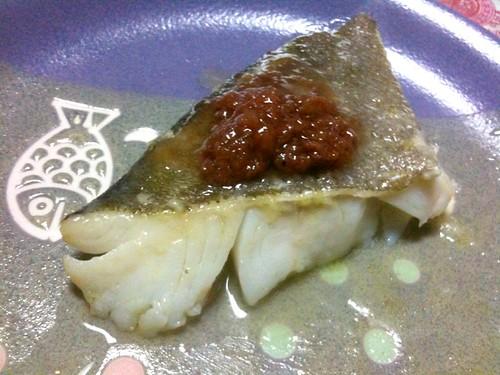 #jisui 鱈焼いて梅ダレで!梅干に砂糖入れて煮きり酒で伸ば すとうめえタレになるのな!
