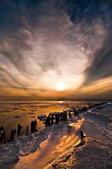 K20D4637 (Bob West) Tags: sunset ontario ice lakeerie greatlakes erieau southwestontario bobwest k20d pentax1224