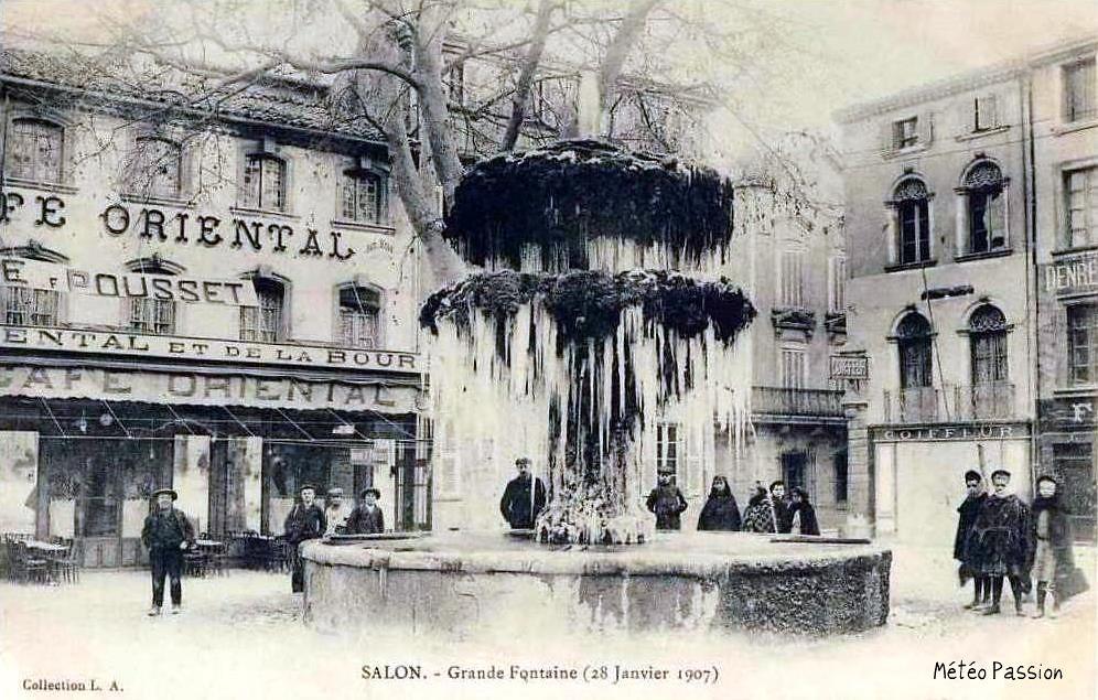 fontaine gelée à Salon de Provence le 28 janvier 1907