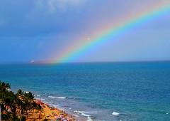 pote de ouro (pmenge) Tags: praia arcoiris cores mar 7d navio