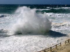 FOAM PARTY (André Pipa) Tags: ocean sea portugal mar sintra atlanticocean oceano azenhasdomar roughsea atlântico 50faves 25faves abigfave anawesomeshot