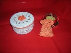 scatola all'uncinetto e mini sacchetto rosa salmone (Confettino) Tags: bomboniera alluncinetto
