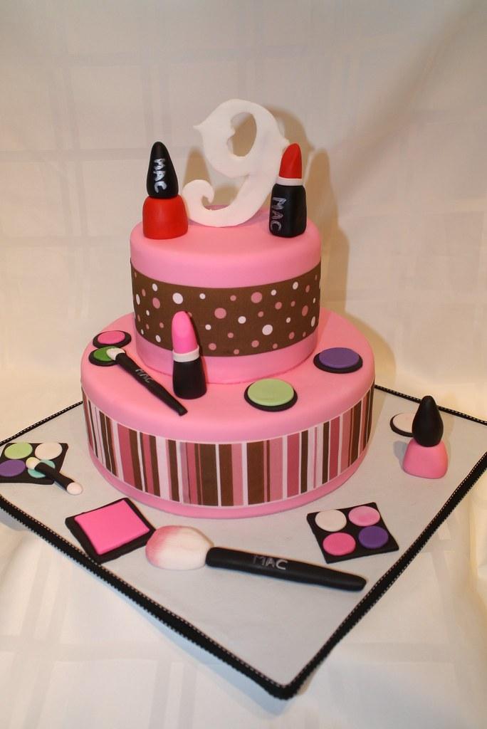 Make Up girl cake