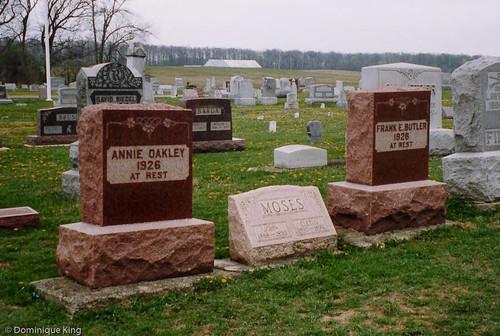 Annie Oakley Gravesite-2