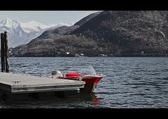 La barca rossa (Ticino-Joana) Tags: italien red italy lake rot lago boot see boat barca italia rosso lagomaggiore piemont cannobio mywinners