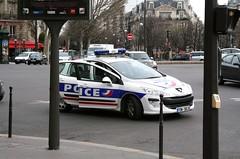 Springtime in Paris - 2 (lemoncat1) Tags: paris france seine metro eiffeltower toureiffel bateauxmouches riverseine avenuegeorgev sightseeingboat
