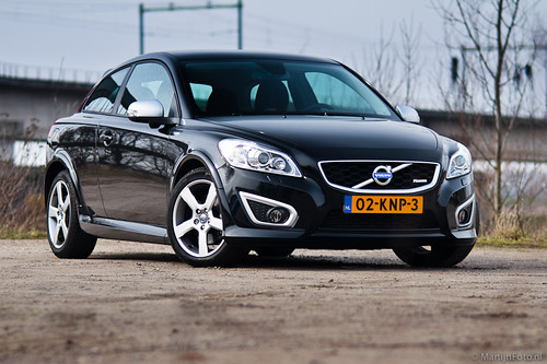 Volvo C30 R Design Black. Volvo C30 T5 R-Design Front