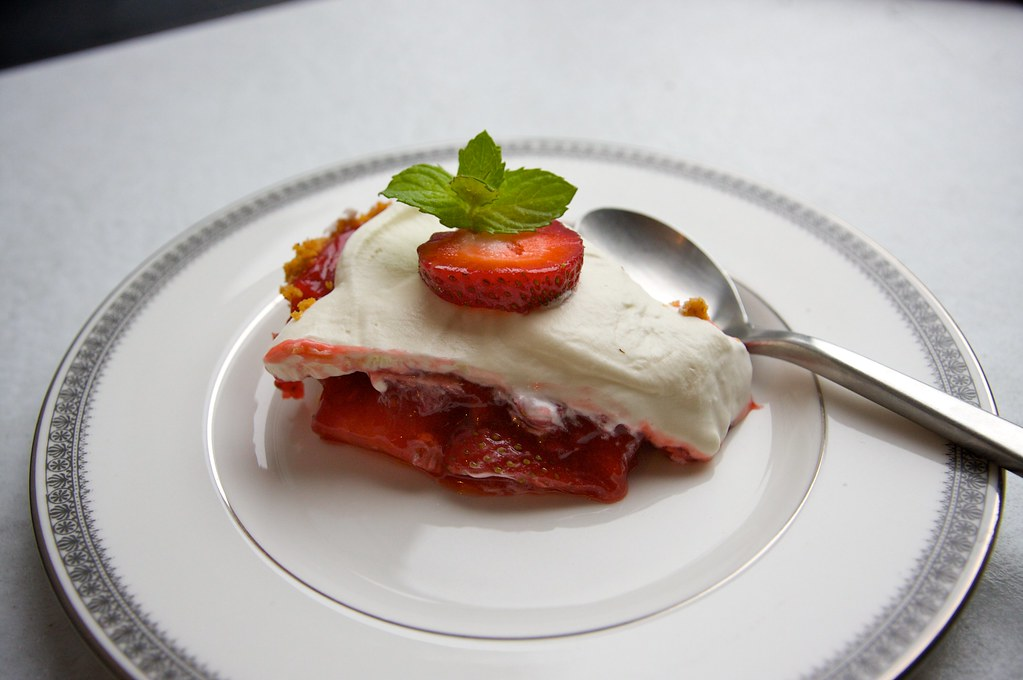 Strawberry Icebox Pie - Shutterbean