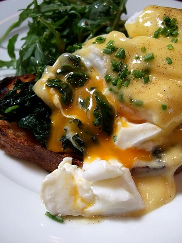 Draft House eggs benedict 2