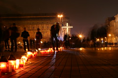 A string of candles at Piłsudski Square