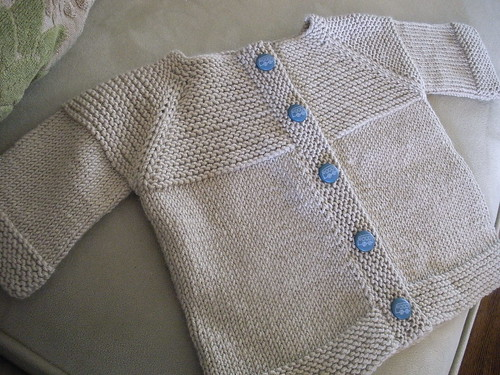 Knitting Patterns For Baby Cashmerino : SO MUCH YARN, SO LITTLE TIME!: Blue buttons!