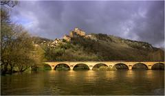 paisatges de Dordogne (Seracat) Tags: bridge france castle río canon river puente frança dordogne rivière pont castelnaud périgord francia château castillo hdr castell riu aquitaine périgordnoir castelnaudlachapelle thesuperbmasterpiece seracat