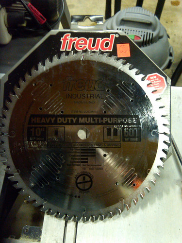 Freud Industrial 10in Heavy Duty Multi-Purpose 60T 1-8in Kerf Saw Blade LU82M010