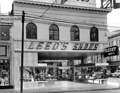 Leeds Shoes 1948 (JAVA1888) Tags: california old building sign architecture modern century vintage store shoes san francisco neon leeds 1940s 1950s storefront signage mid