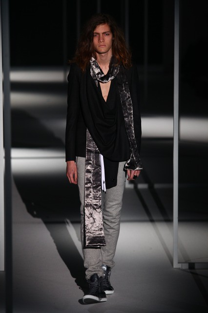 Marcel Castenmiller3060_FW10_JFW_A Degree Fahrenheit (Shinmai)(Fashionsnap)
