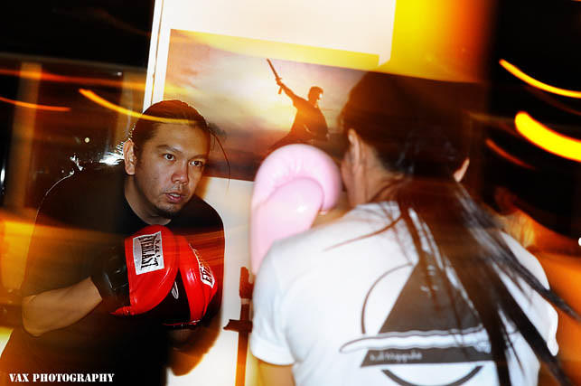 knife fight 03