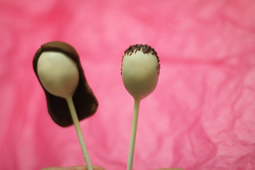Faceless Nicole and Reese Cake Pops