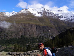 Valle d'Aosta (Roby-da-matti) Tags: italy trekking montagna prosthesis protesi disabile robertobruzzone robydamatti
