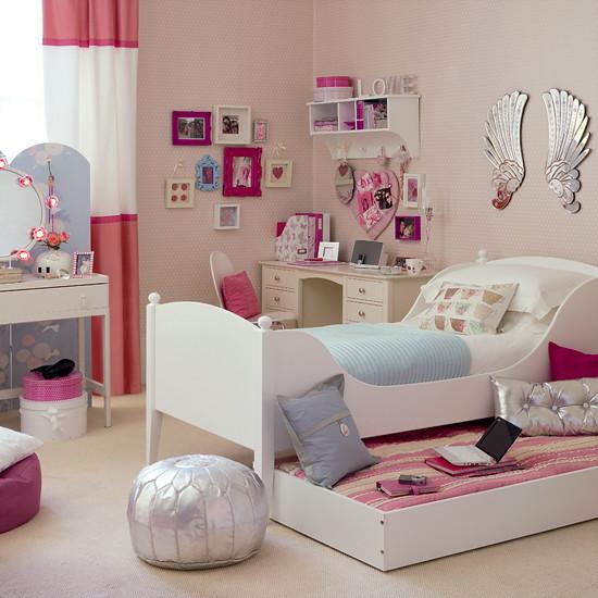 tenage_girls_bedroom
