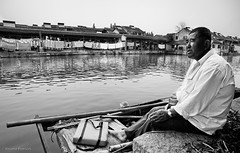 (Jrme Pierson) Tags: china street portrait white black blanco river fisherman scenery noir shanghai sony negro chinese portraiture xitang   chinois blanc  chine    a900