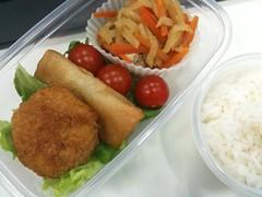 100617 冷凍食品ベースのシンプルなお弁当