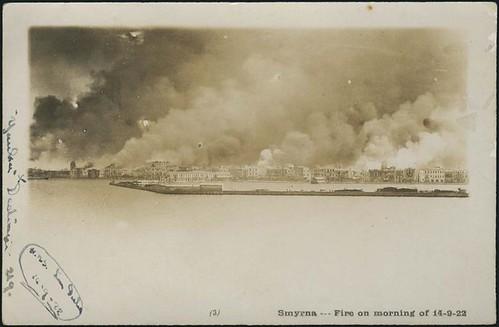 14 Eylül 1922 sabahı İzmir yanıyor