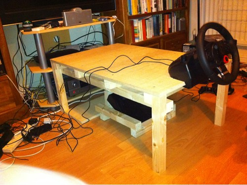 F1-simulator/coffee table without seat and screen