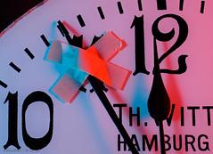It's never too late to relax and unwind! (DokuDoc) Tags: deutschland germany macromondays makro mood nostalgie relaxation skuril technik uhr bizarre clock macro nostalgia