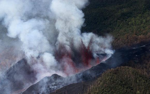 Le Nyiamulagira en éruption