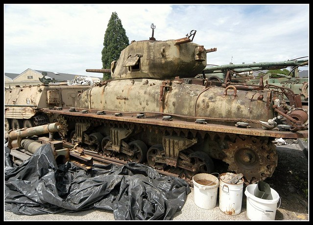Saumur Tank Museum Sherman DD (2)