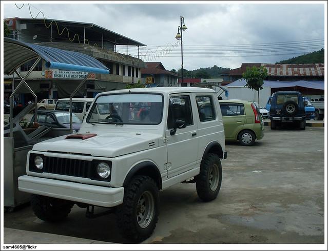 White Suzuki SJ410 Turbo