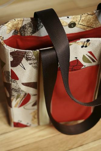 15-Boomerang Tote Bag
