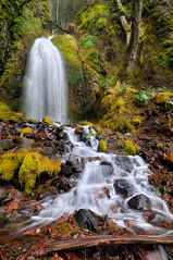 Lancaster (Michael Bollino) Tags: mist nature oregon waterfall droplets nikon northwest hiking battle falls lancaster gorge patience columbiarivergorge d300 michaelbollino