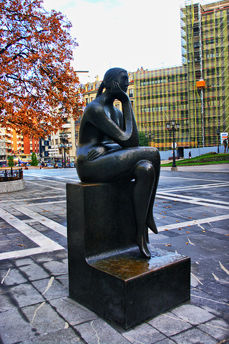 Mujer pensando: Oviedo - Devilost: Fuente Flickr